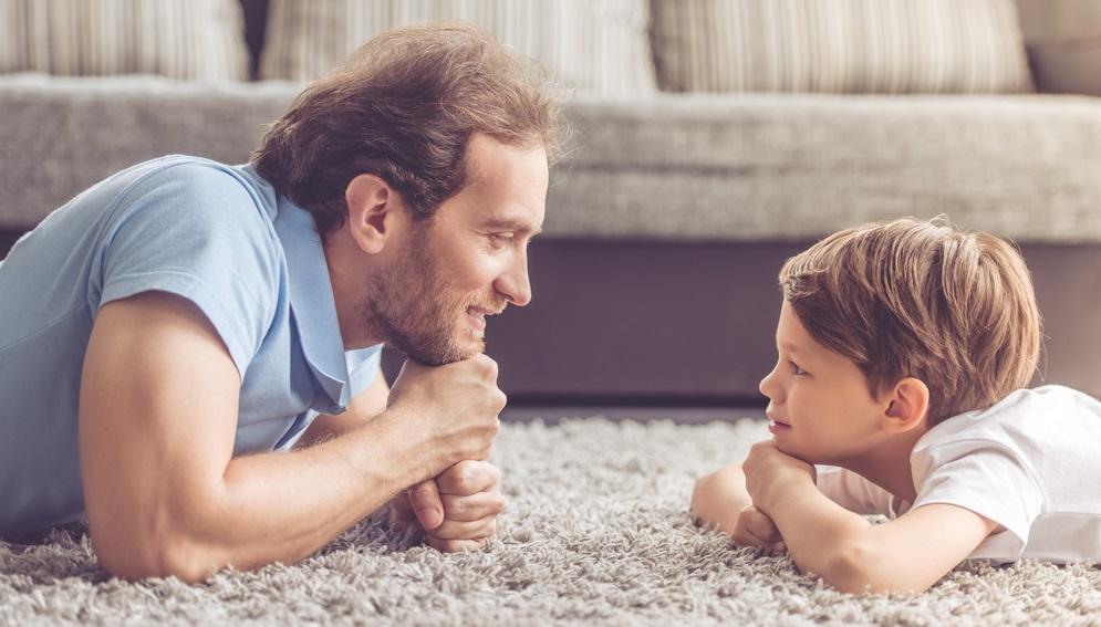 """Ser padres """"autoritativos"""", el concepto que tiene a muchos confundidos"""